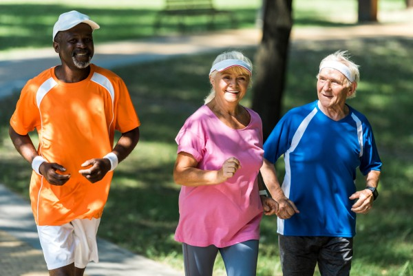 Triagem precoce do risco de quedas e lesões em idosos e esportistas